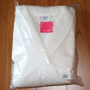 Ulta Intimates & Sleepwear - NWT Soft Ulta Robe 1X/2X